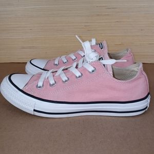 Women's converse All Star pink sneakers sz 6
